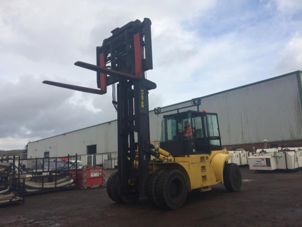 large counterbalance forklift training
